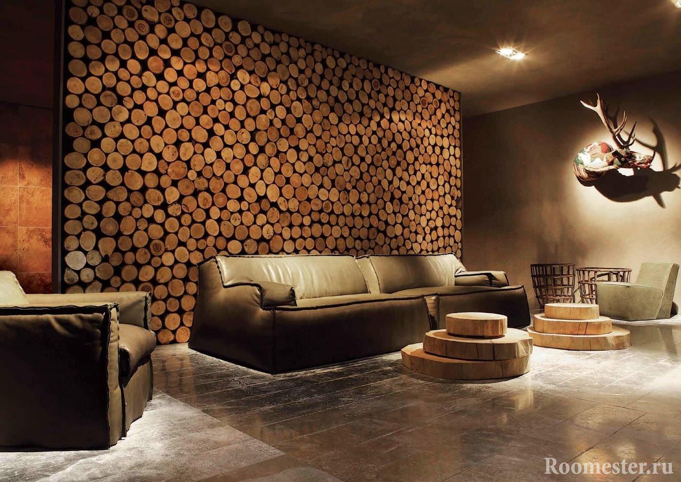 Tresagskjær som dekorasjon av stuevegger