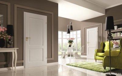 Il colore del pavimento e delle porte all'interno - una combinazione di sfumature