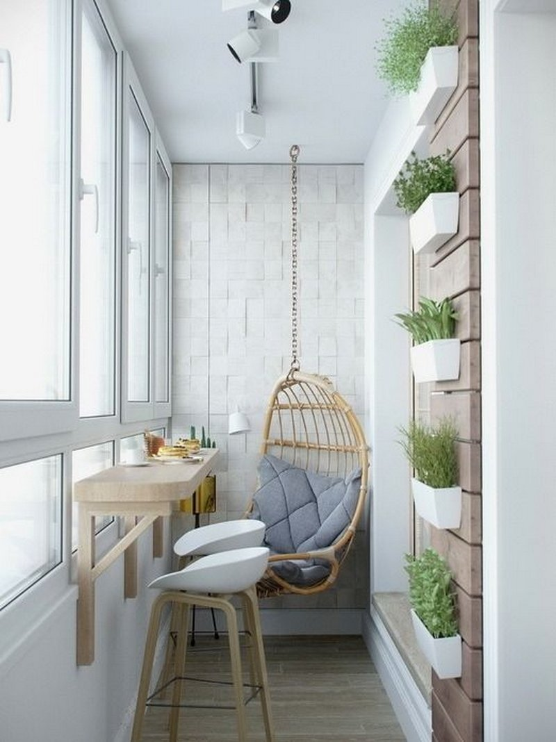 Hengslet balkong med et vakkert design