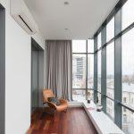 Lenestol på vindus balkongen