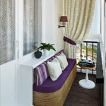 Balkong med sofa og bord