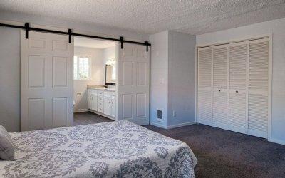 Weiße Türen im Innenraum + 75 Fotos von Designideen