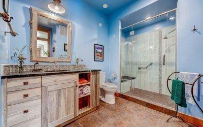 Conception de salle de bain dans une maison privée +75 photos d'agencement