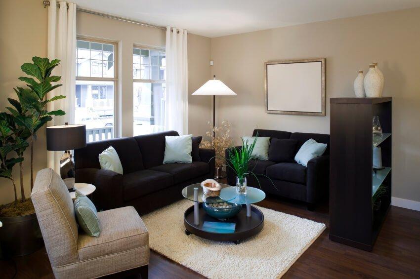 Combinația de mobilier întunecat și ușor