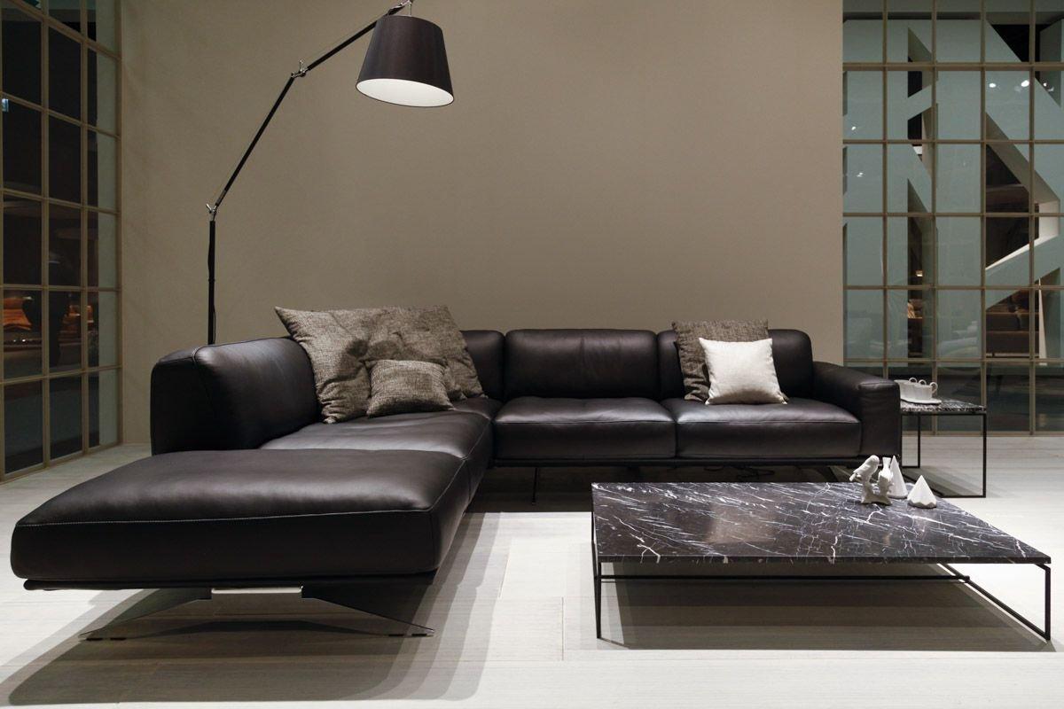 Iluminare luminoasă în sufragerie