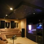 Black ceiling in the living room
