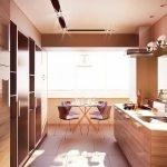 Kjøkken med balkong