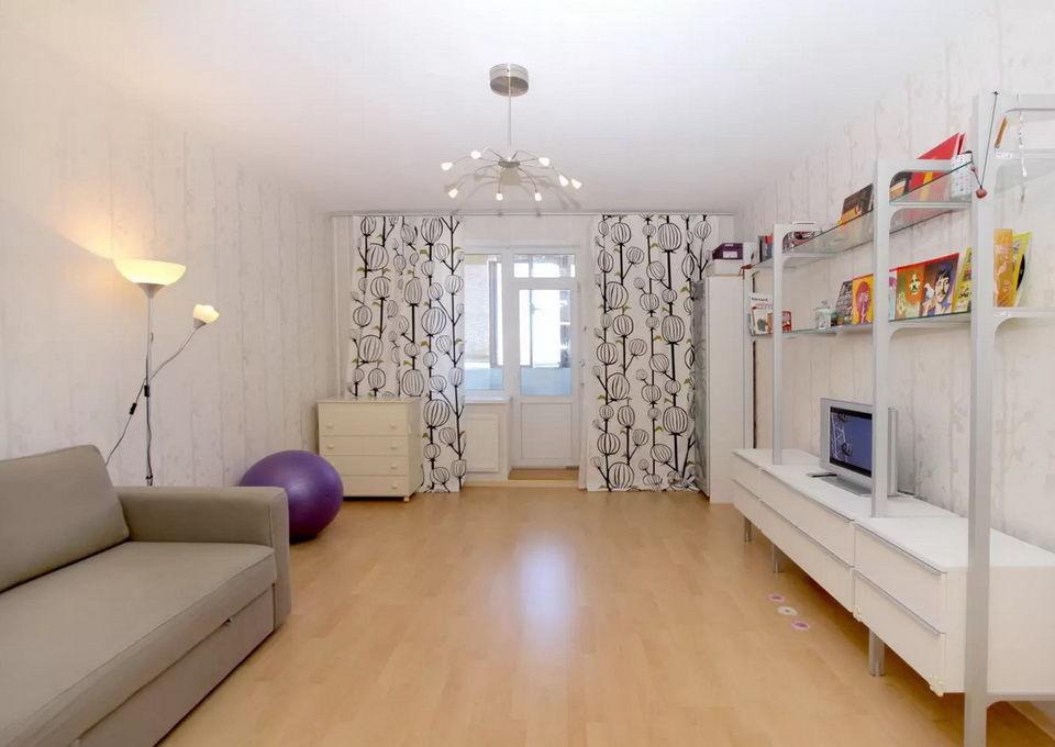 Stor stue i leiligheten