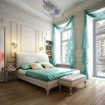 Türkisfarbene Vorhänge im Schlafzimmer