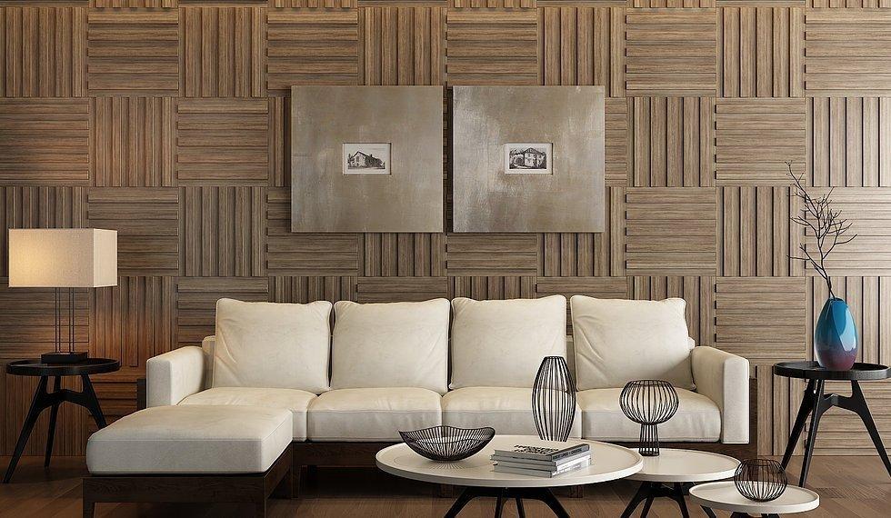 Panneaux en bois sur le mur à l'intérieur