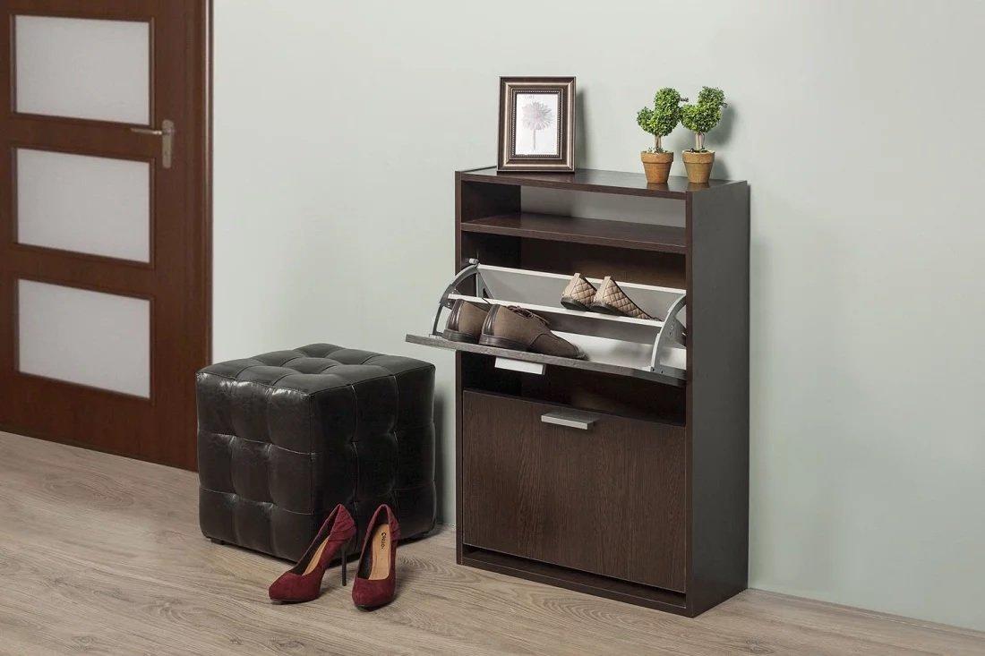 Magasin de chaussures dans le couloir