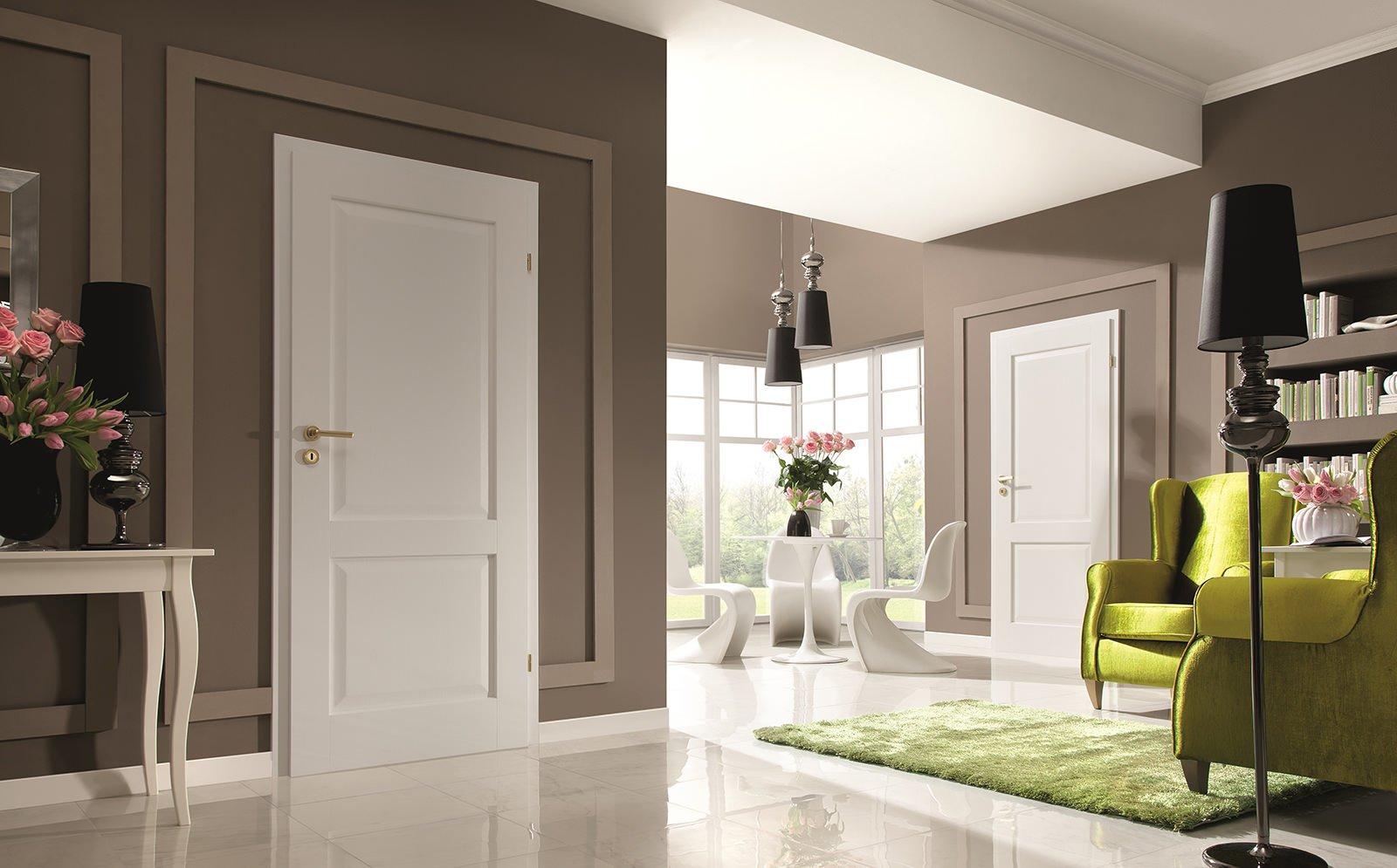 Intérieur avec portes intérieures standard