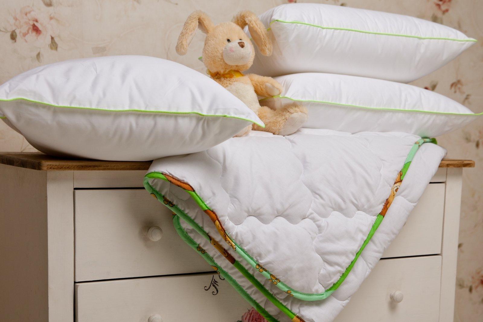 Oreillers et couverture bébé