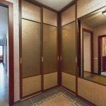 Grande armoire d'angle