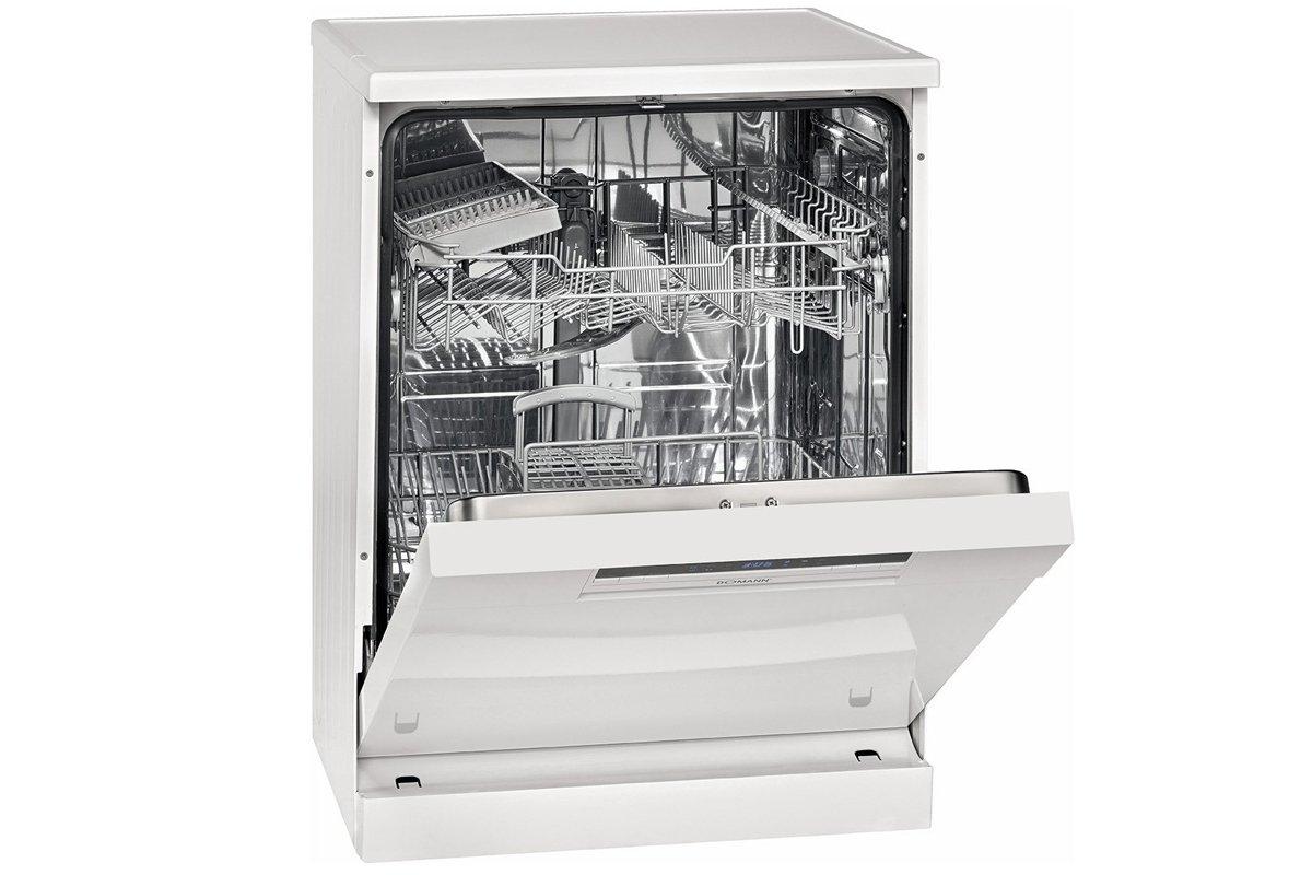La hauteur d'une demi-machine à laver indépendante