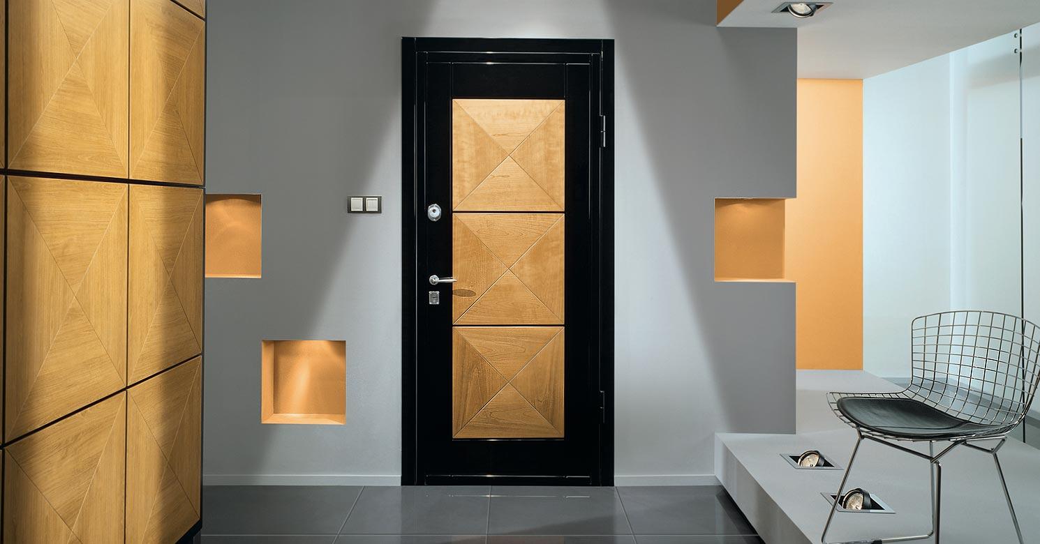 Choisir une porte métallique pour l'intérieur