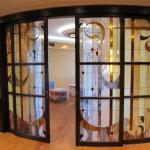 Portes rayonnées en vitrail