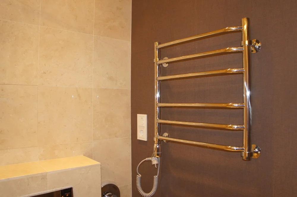 Porte-serviettes chauffant électrique