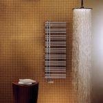Porte-serviettes chauffant sous la douche