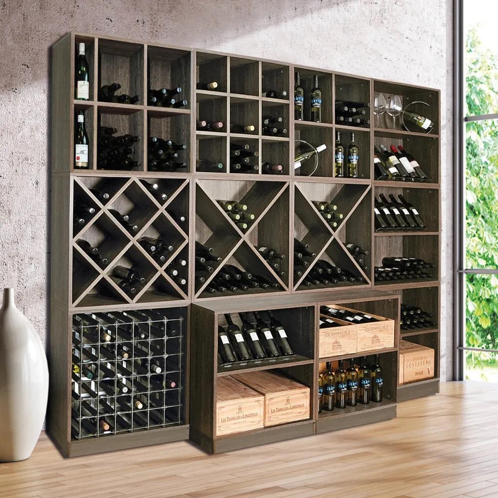 Casier à vin le long du mur