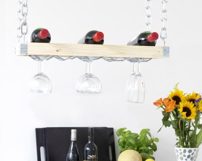 Étagère à vin avec support pour verres