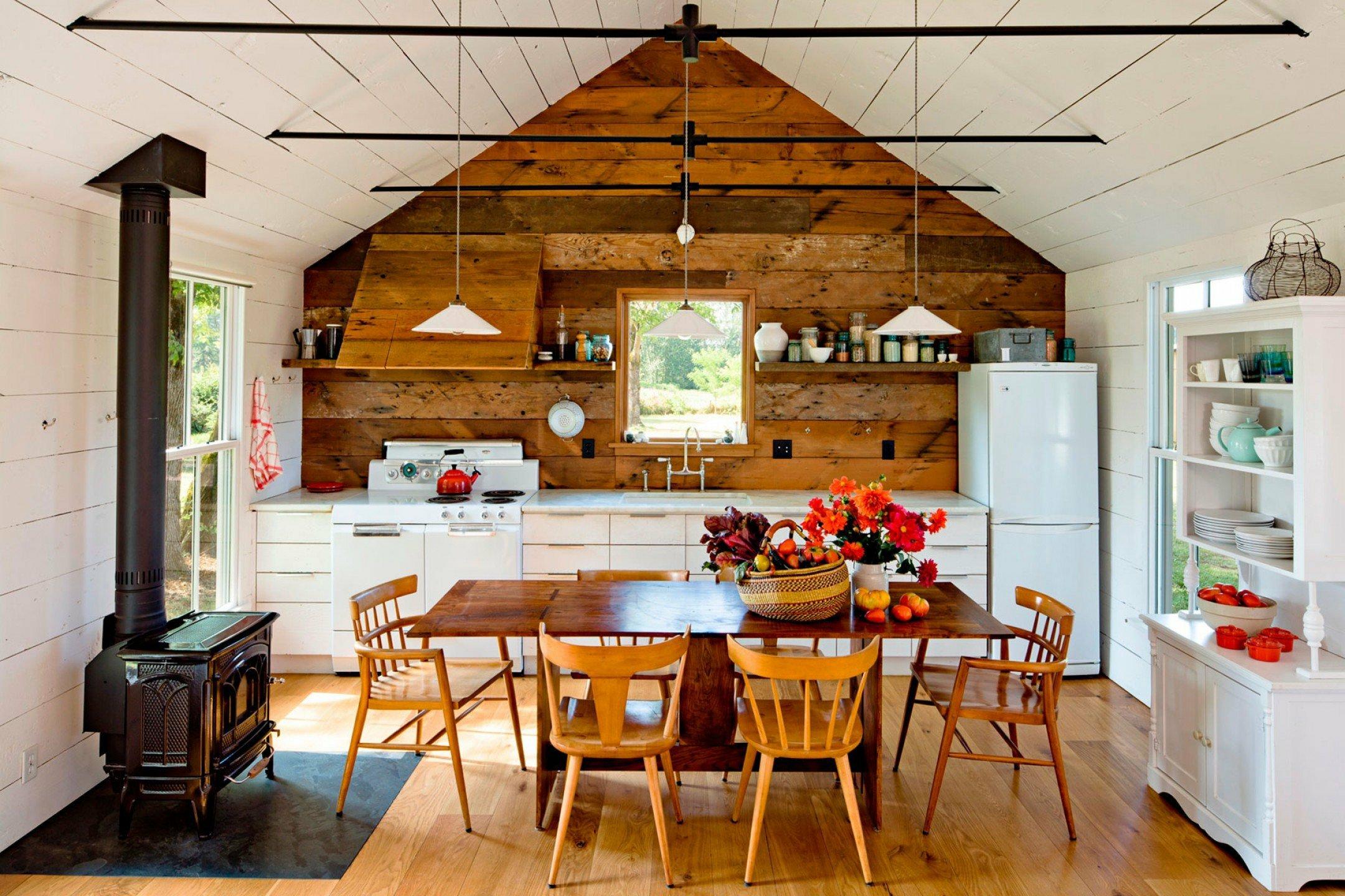 Doublure dans la décoration d'une maison en bois