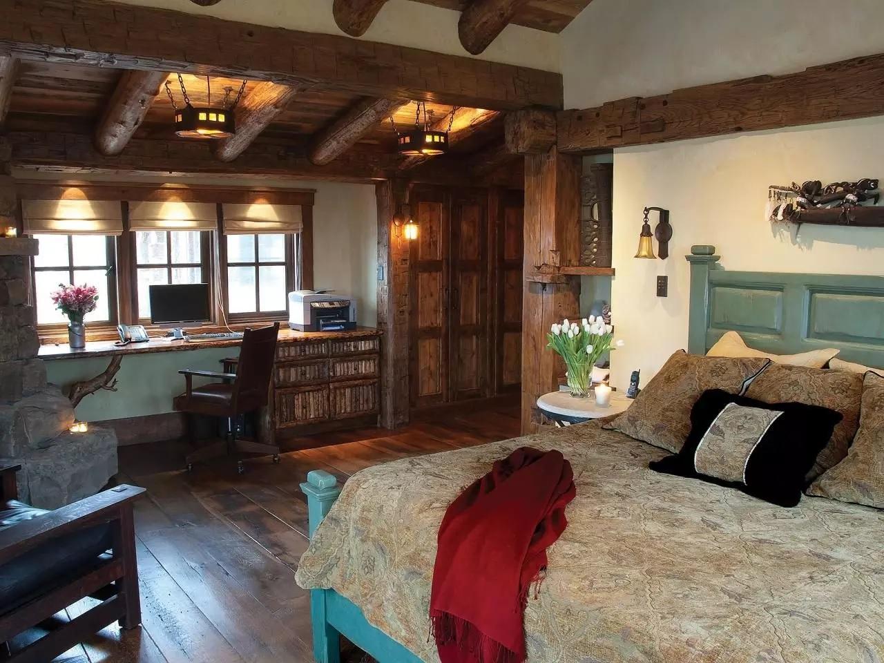 Décorer des chambres dans une maison en bois