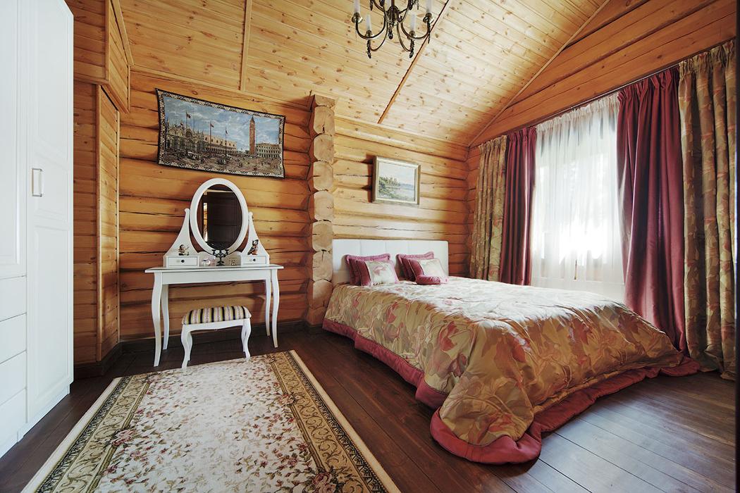 Chambre dans une maison en bois